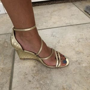 Badgley Mischka Strapy wedge Champaign gold